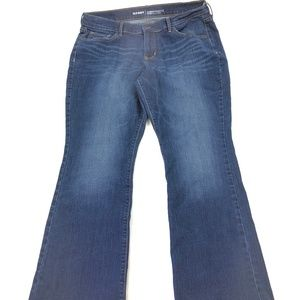 Old Navy Women's Mid Rise Curvy Bootcut Jeans R018